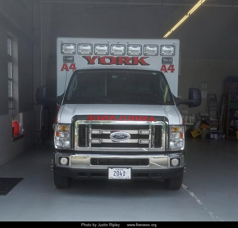 2015 Medix Ford Transit Type Ii Ambulance: YORK, MAINE
